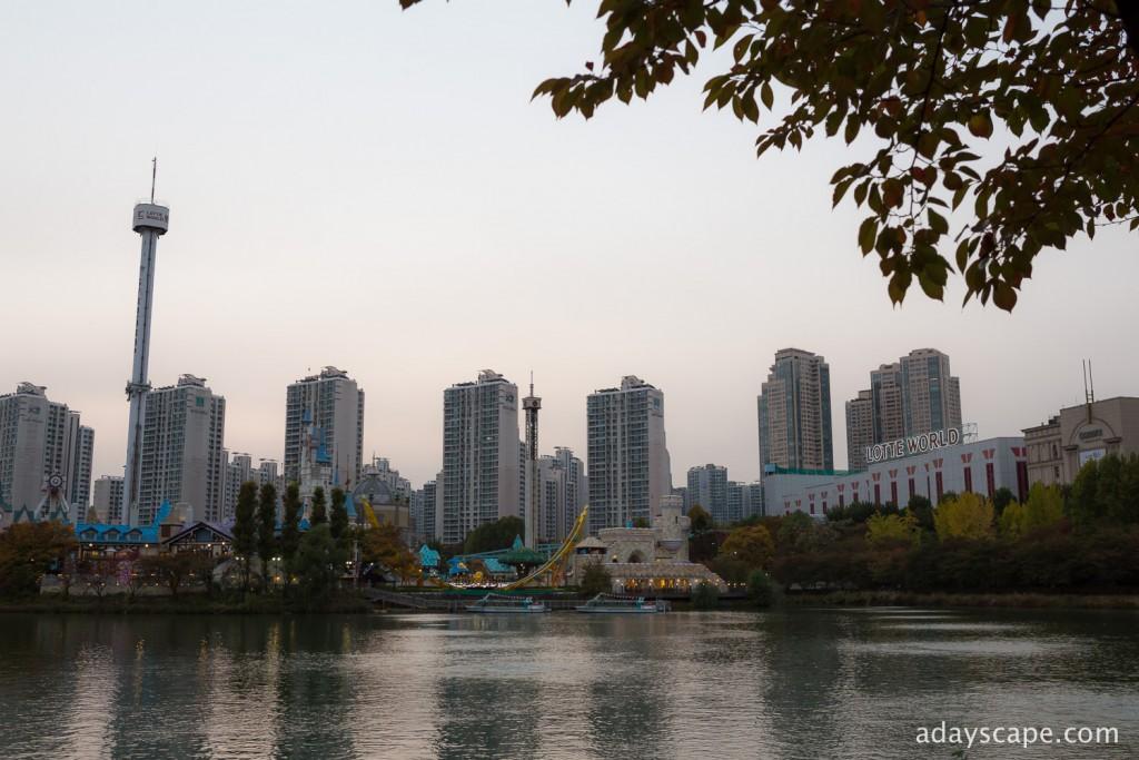 Seokchon Lake 01