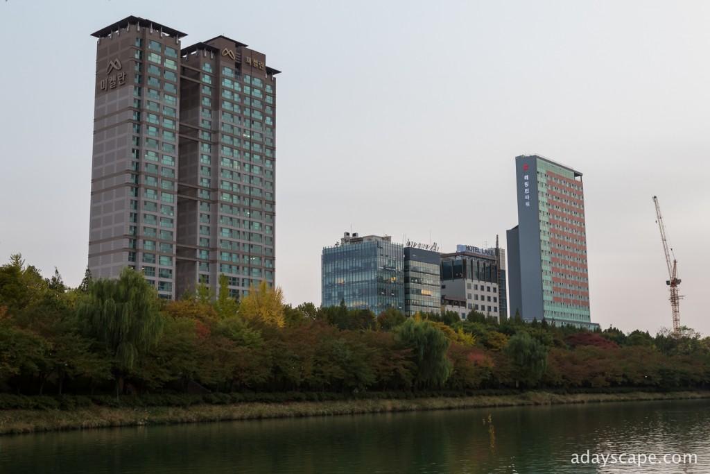 Seokchon Lake 02