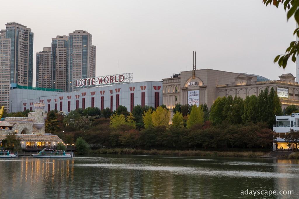 Seokchon Lake 04