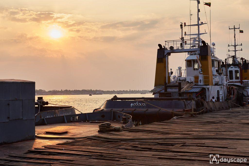 ย่างกุ้ง - Pansodan Ferry Area 5