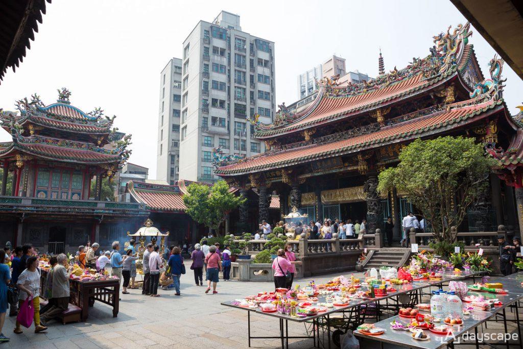 Longshan Temple 2
